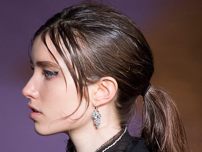 Los mejores medios para la reconstitución de los cabellos clarificados